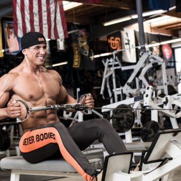 آموزش حرکت سیمکش قایقی برای عضلات زیربغل